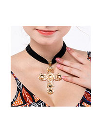 Retro Gold Color Metal Cross Shape Pendnat Decorated Simple Choker