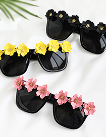 Fashion Black Alloy Flower Square Sunglasses