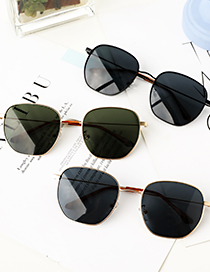Fashion Black Lens With Golden Frame Alloy Frame Round Sunglasses