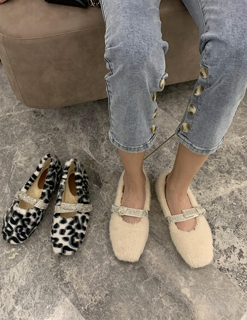 Fashion White Furry And Velvet Flat Buckle Flat Shoes With Buckle