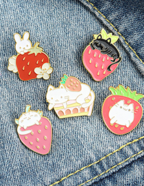 Fashion White Cat Strawberry Enamel Paint Dripping Rabbit Brooch