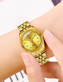 Reloj Gradual De Diamantes Con Banda De Acero Dorado