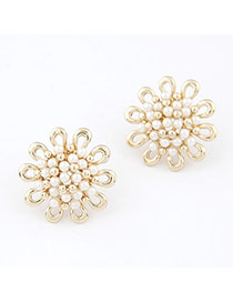 Fancy White Sun Flower Decorated With Imitate Pearl Alloy Stud Earrings