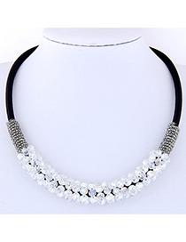 Elegant White Round Shape Decorated Necklace