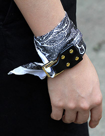 Trendy White Buckle&rivet Decorated Simple Bracelet