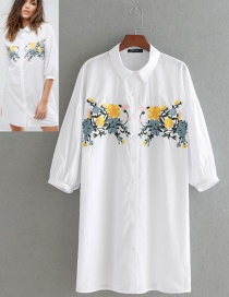 Fashion White Flower Pattern Decorated Dress