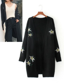 Fashion Black Embroidery Flower Decorated Coat
