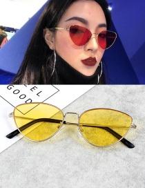 Vintage Yellow Cat Eye Shape Decorated Sunglasses