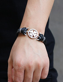 Fashion Black Clover Shape Decorated Bracelet