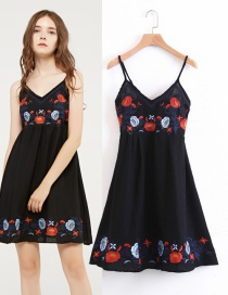 Fashion Black Embroidery Flower Decorated Dress