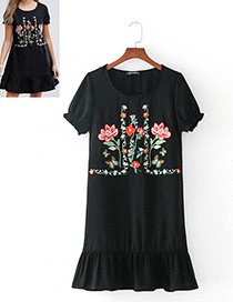 Fashion Black Embroidery Flower Decorated Simple Dress