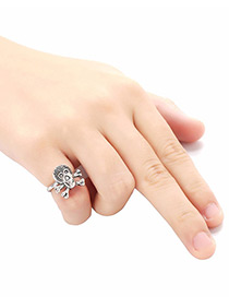 Personality Silver Color Skull Shape Decorated Ring