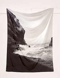 Fashion Black+white Sea Pattern Decorated Blanket