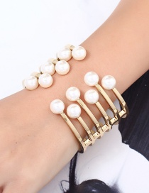 Elegant Gold Color Round Shape Decorated Opening Bracelet