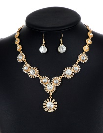 Lovely White Flower Shape Decorated Jewelry Sets
