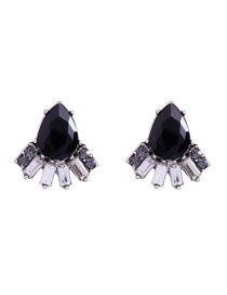 Elegant Black Waterdrop Shape Decorated Earrings