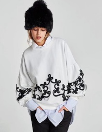 Fashion White Embroidery Flower Shape Decorated Blouse