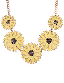 Vintage Yellow Daisy Shape Decorated Pure Color Necklace