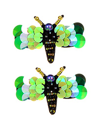 Fashion Green Bee Shape Decorated Earrings