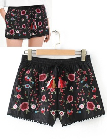 Fashion Black Flower Pattern Decorated Shorts