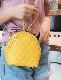 Fashion Yellow Pearls Decorated Shell Shape Bag
