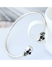 Fashion Silver Color Skull Shape Decorated Bracelet