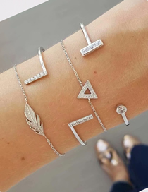 Fashion Silver Alloy Feather Triangle Bracelet Set