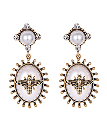 Fashion White Alloy Resin Studded Oval Stud Earrings