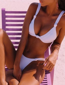 Fashion White Knotted Split Swimsuit With Chest Pad