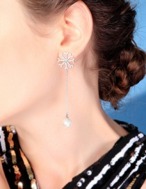 Fashion Silver Snowflake Stud Earrings In Sterling Silver