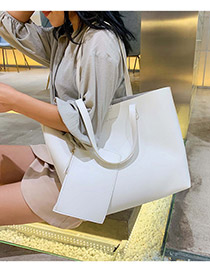 Fashion White One-shoulder Portable Messenger Bag
