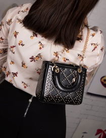 Fashion Black Embroidery Thread Rhombic Rivet Shoulder Shoulder Bag