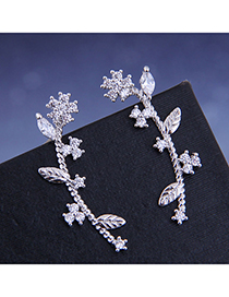 Fashion Silver Diamond Stud Earrings With Small Flower And Zircon