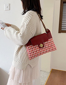Red Contrast Chain Single Crossbody Bag