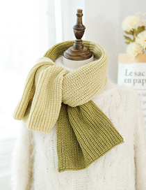 Fashion Meter + Green Knitted Wool Scarf