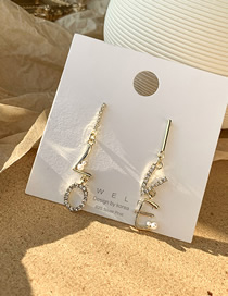 Fashion Golden Alphabet Asymmetric Metal Earrings With Diamonds