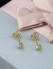 Fashion Golden Copper Plated Heart Shaped Light Stud Earrings