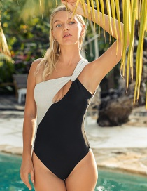 Fashion White One Shoulder Cutout One Piece Swimsuit