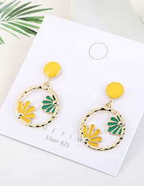 Fashion Yellow Gold-plated Oil Drop Circle Flower Cutout Earrings