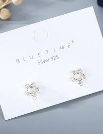 Fashion White Openworked Gold-plated Small Flowers And Diamond Earrings