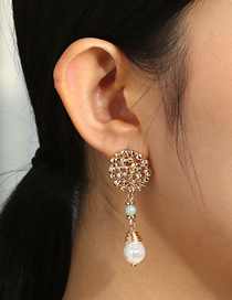 Fashion Golden Natural Stone Hand-wound Irregular Pearl Earrings