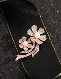 Fashion Flowers Gold-plated Copper Brooch With Diamonds/ Pearls And Flowers