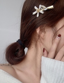 Fashion Flowers Shaped Pearl Flower Diamond Alloy Hairpin