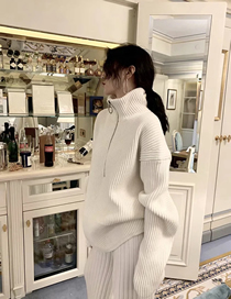 Fashion White High Neck Zipper Solid Color Loose Sweater