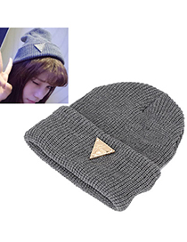 Rave dark gray metal triangle shape decorated hedging design wool Knitting Wool Hats