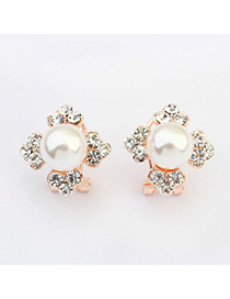 Petite white pearl decorated clover shape design alloy Stud Earrings