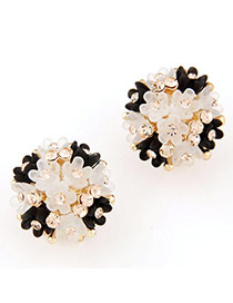 Lovely Beige & Black Diamond Decorated Flower Design