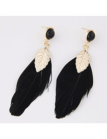Personality Black Beads Decorated Feather&leaf Pendant Design