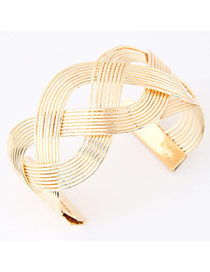Exaggerated Gold Color Pure Color Weave Opening Design