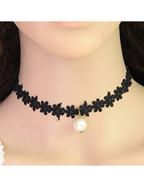 Elegant Black Pearl Pendant Decorated Flower Shape Chain Design